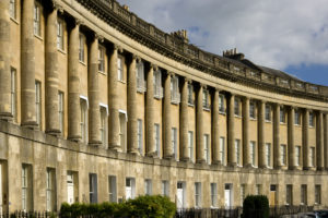 UK, England, Somerset, Bath, World Heritage City, historic terraced houses in The Royal Crescent